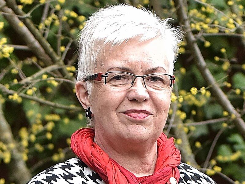 Cornelia Recht